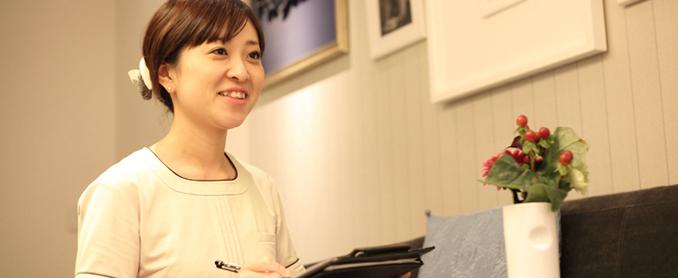「私自身の足が変わった驚きを、お客さまにも体験して欲しいです。」<br> 手計亜由美/横濱元町店 店長